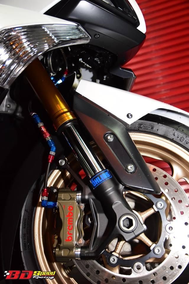 Yamaha TMax530 do cang det voi phu kien khung - 3