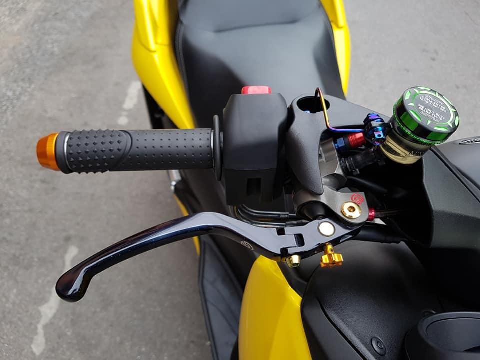 Yamaha XMax 300 do full option dep ngat ngay tren dat Thai - 5