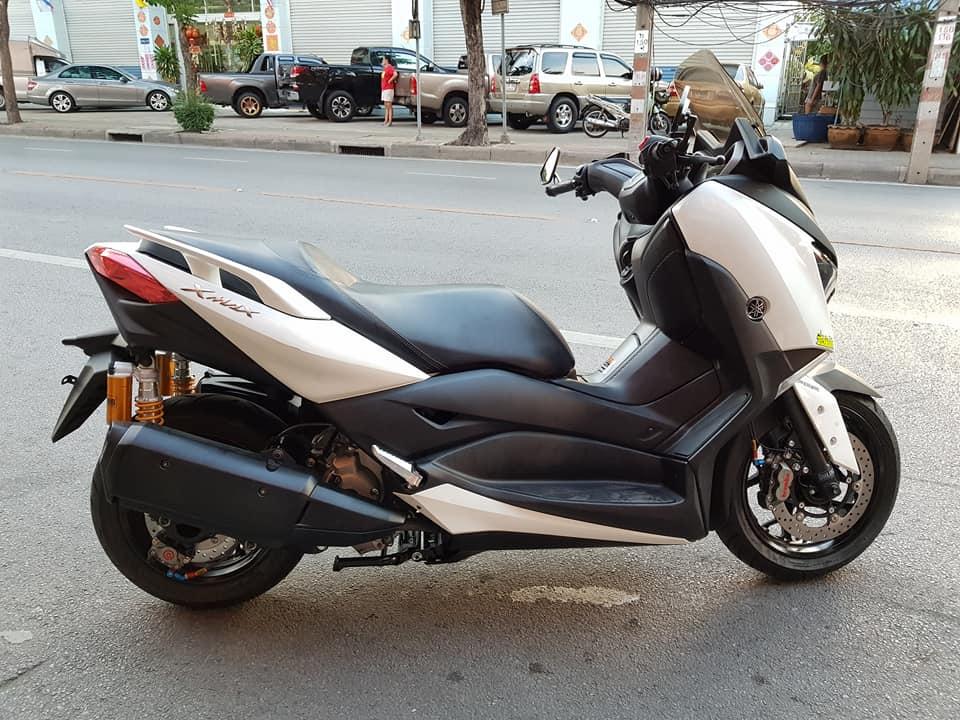 Yamaha XMAX 300 ban do Scooter com can tai xu Chua Vang - 3