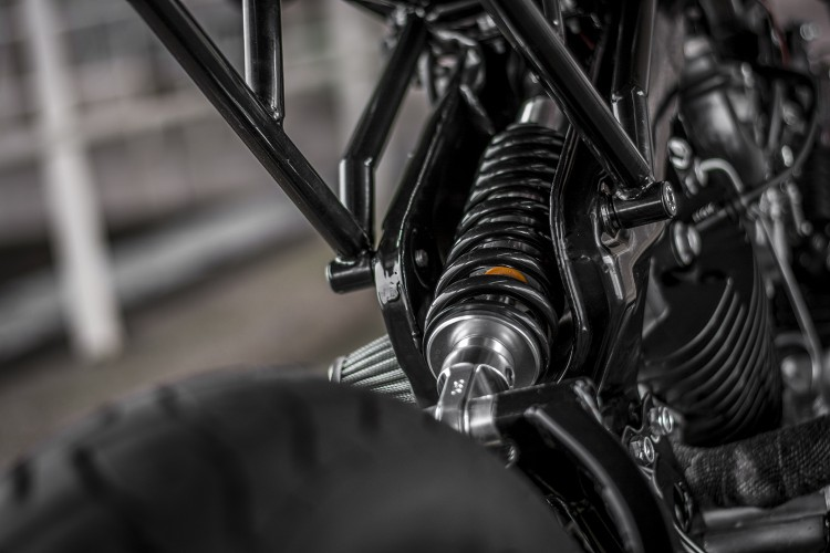 Yamaha XV920 ban tuy chinh tu Ruthless Customz - 8