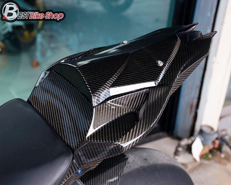 BMW HP4 ve dep tuyet sac trong trang bi full ao Carbon ilmberger - 13