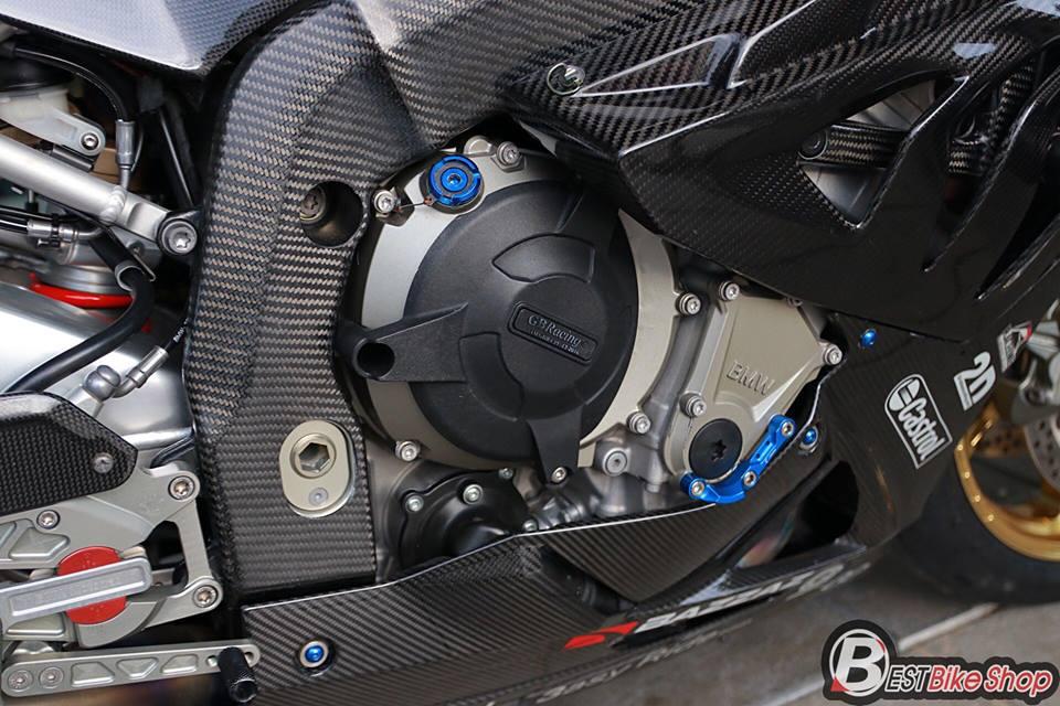 BMW HP4 ve dep tuyet sac trong trang bi full ao Carbon ilmberger - 19