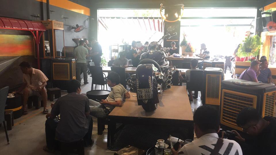 Cafe 12 District Club diem hen cua dan choi xe Sai Gon - 7
