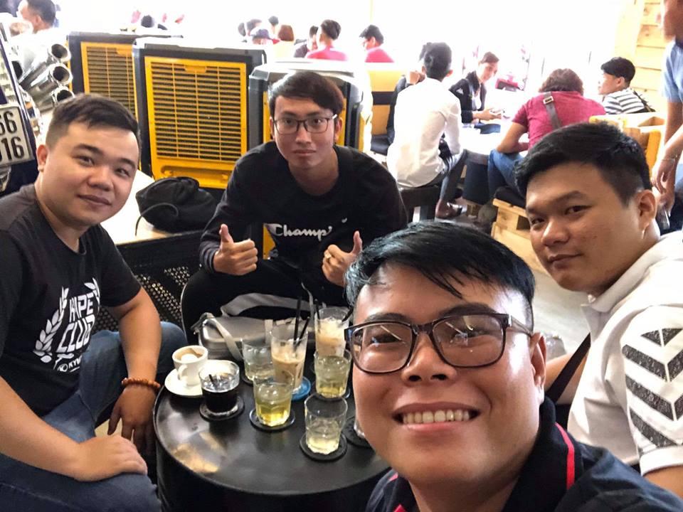Cafe 12 District Club diem hen cua dan choi xe Sai Gon - 8