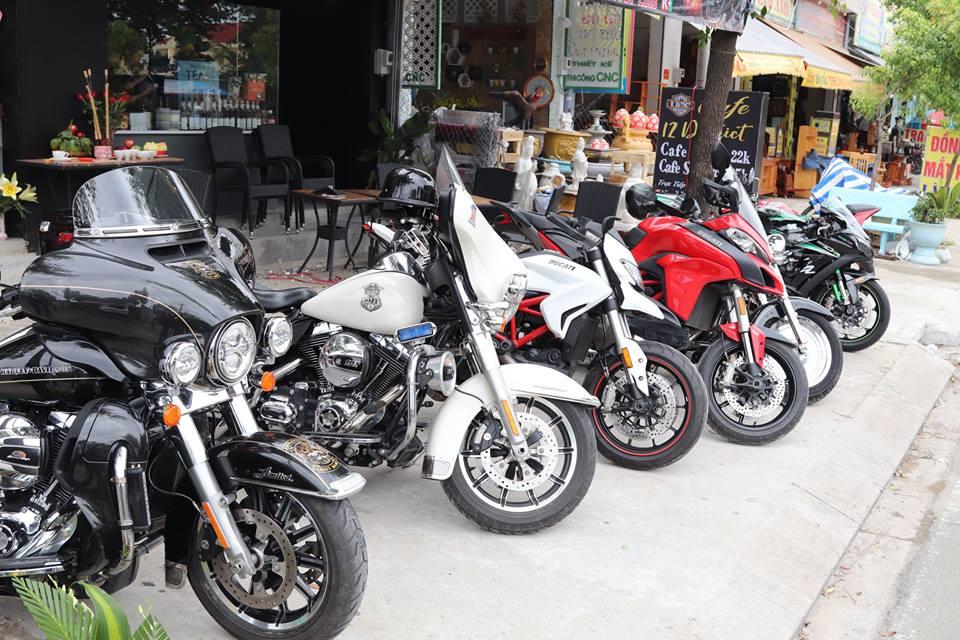 Cafe 12 District Club diem hen cua dan choi xe Sai Gon - 10