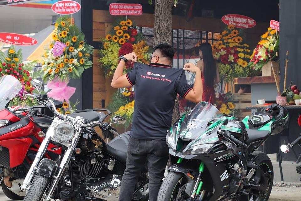 Cafe 12 District Club diem hen cua dan choi xe Sai Gon - 2