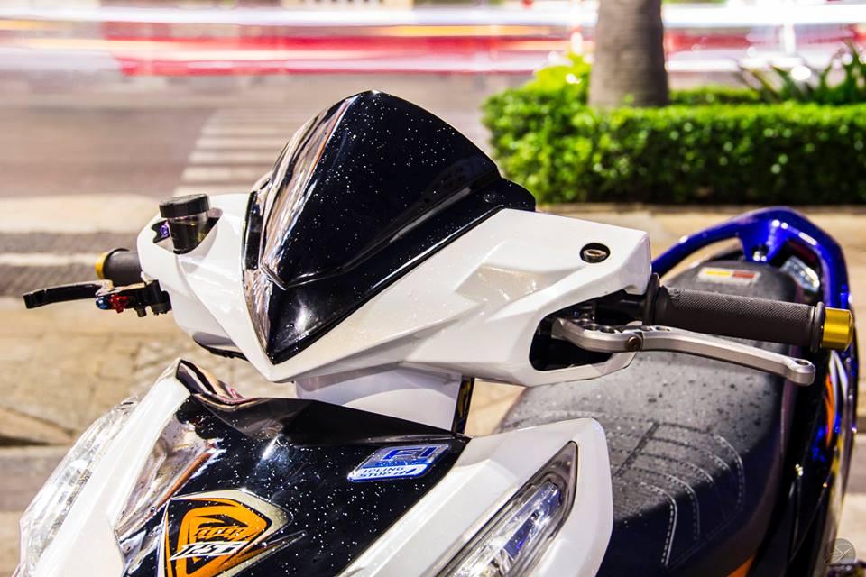 Click 125 do hoa quyen cung Honda PCX trong buc anh phoi sang - 3