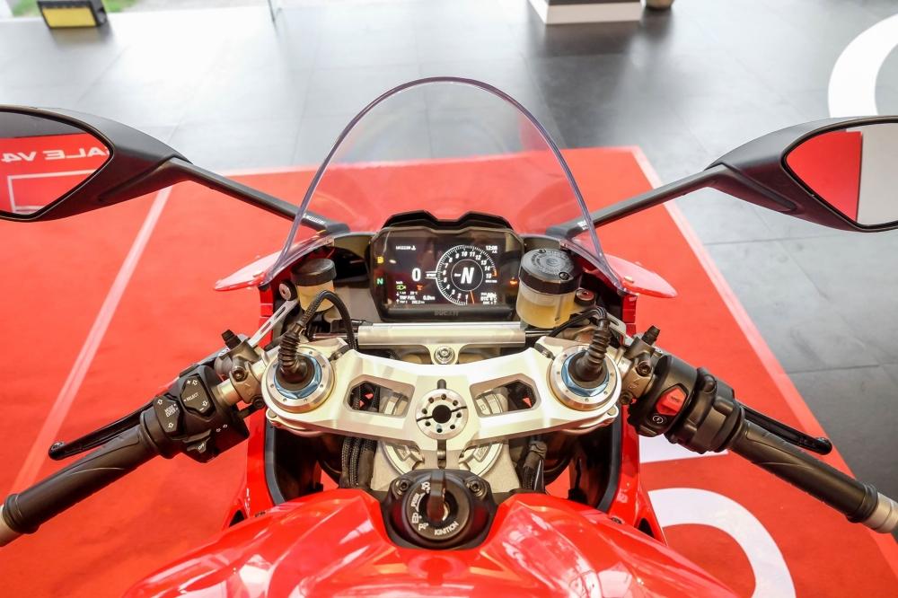 Danh gia nhanh Ducati Panigale V4 S gia khoang 937 trieu Dong tai Sai Gon - 28