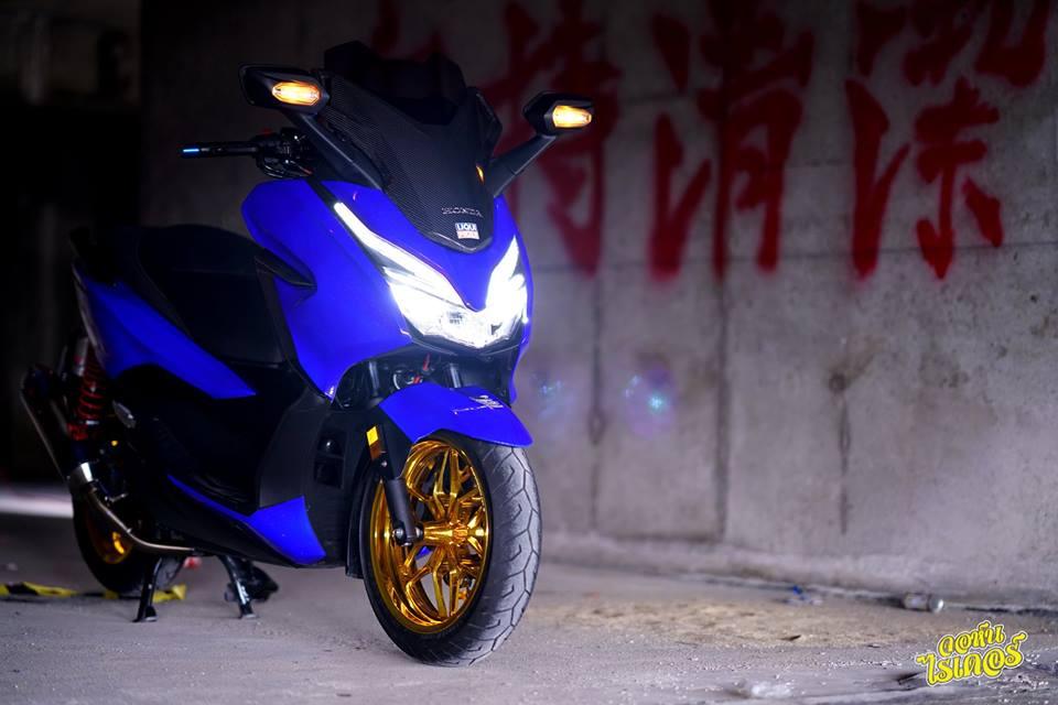 Honda Forza 300 ban do tuoi khong can tuoi den tu Thai Lan