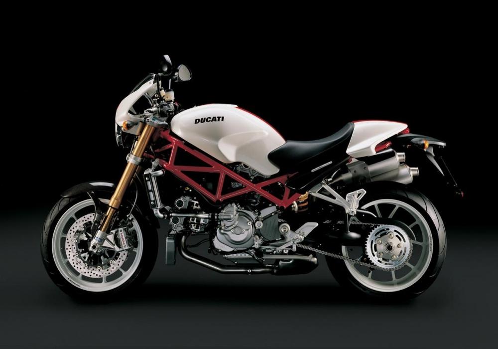 Tong hop cac doi xe Ducati Monster huyen thoai - 17