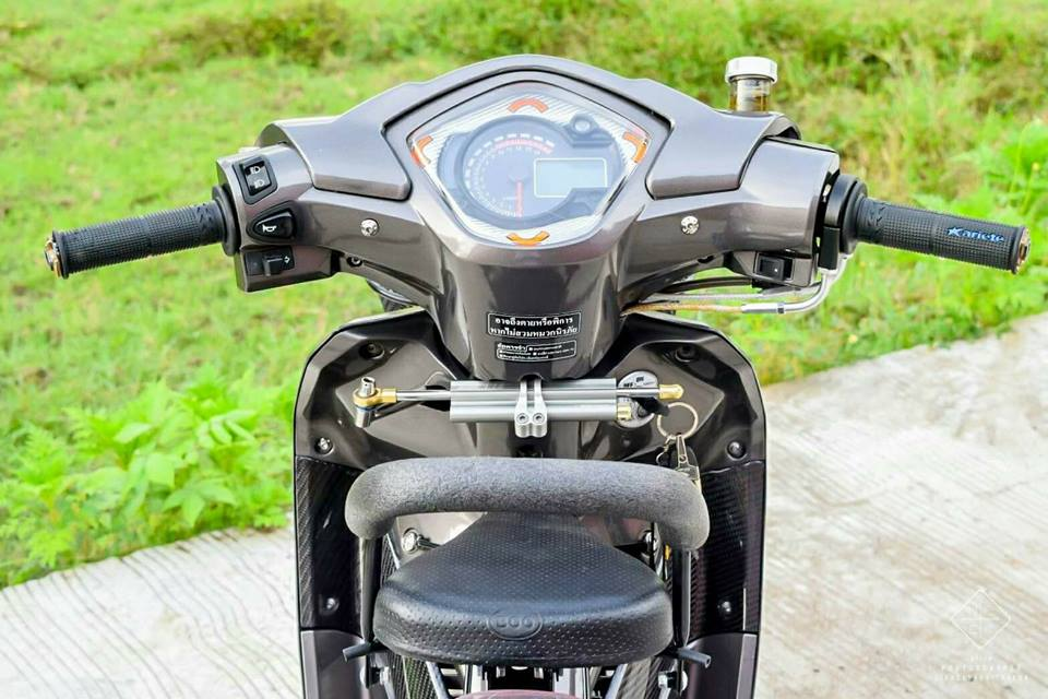 Wave 110 vua dap thung da do sieu dinh cua biker Thailand - 5