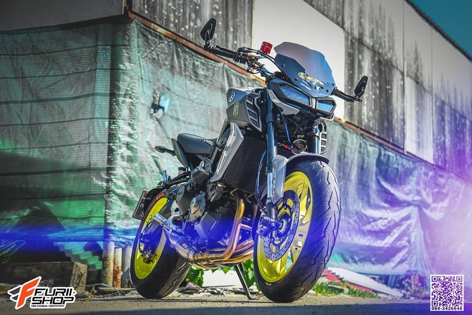 Yamaha MT09 ban nang cap vuot troi den tu xu Chua Vang