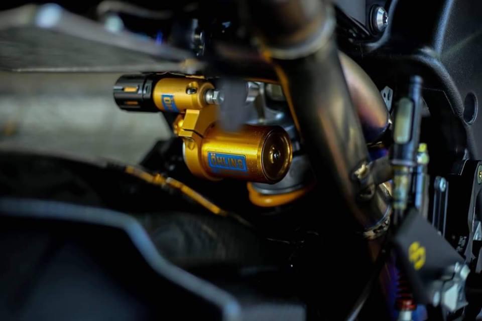 Yamaha R1 ban do Matte Black an tuong tren dat Viet - 5