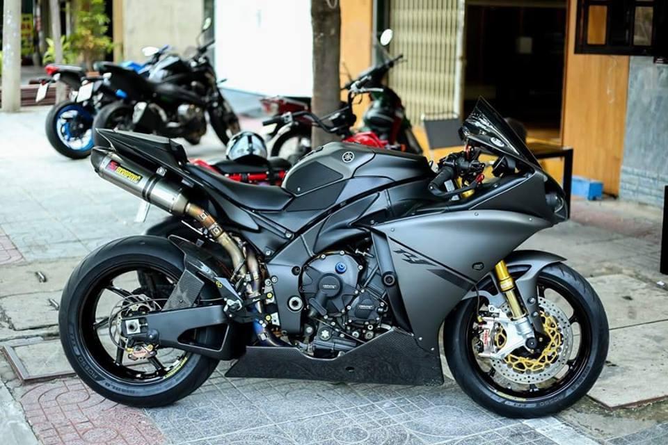 Yamaha R1 ban do Matte Black an tuong tren dat Viet - 7