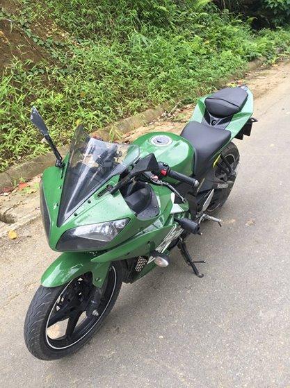 Yamaha R15 v2 - 3