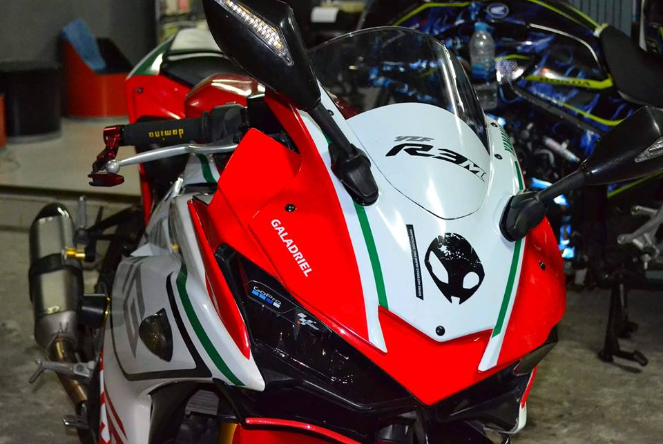 Yamaha R3 ban do khac biet mang ten R3M AMG V4 - 4