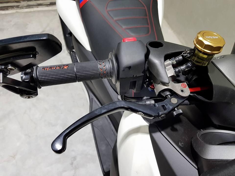 Yamaha Xmax300 ban do full option chat nhu nuoc cat - 4