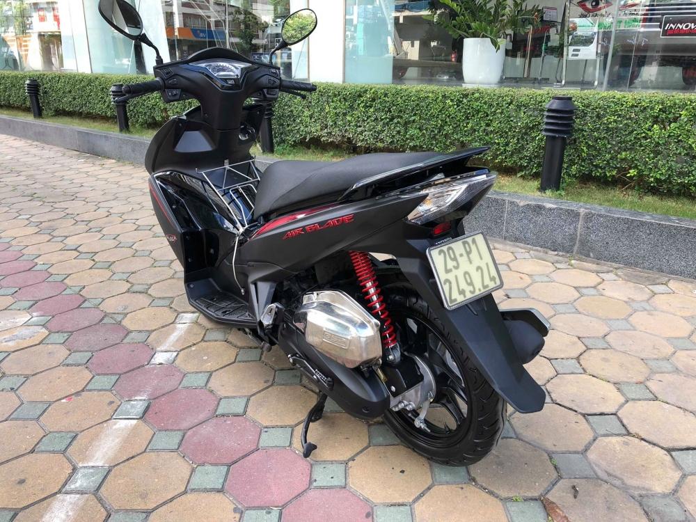 Air blade 125 Black den san 29P 24924 khoa bam remote cao cap 36 trieu cho nguoi can dung - 2