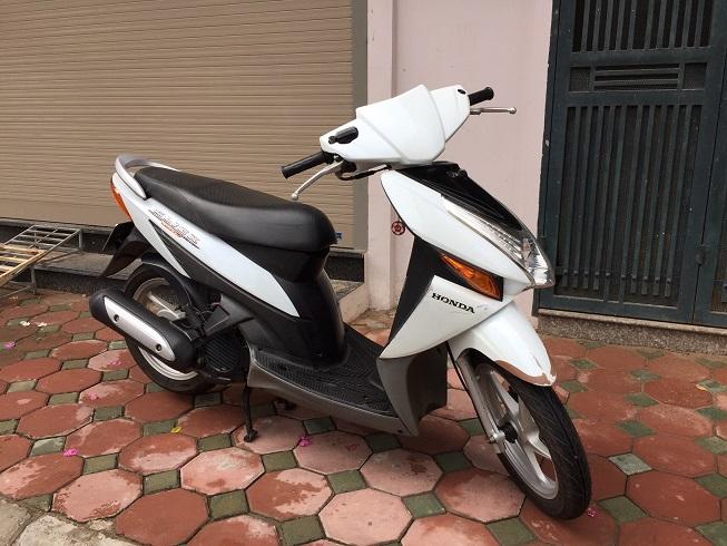 Ban xe Honda Click Bien 30Z Mau trang tre trung Chat luong cuc tot