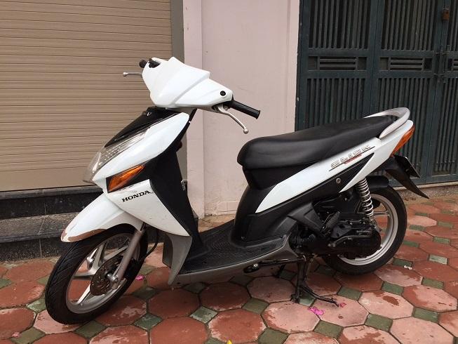 Ban xe Honda Click Bien 30Z Mau trang tre trung Chat luong cuc tot - 3