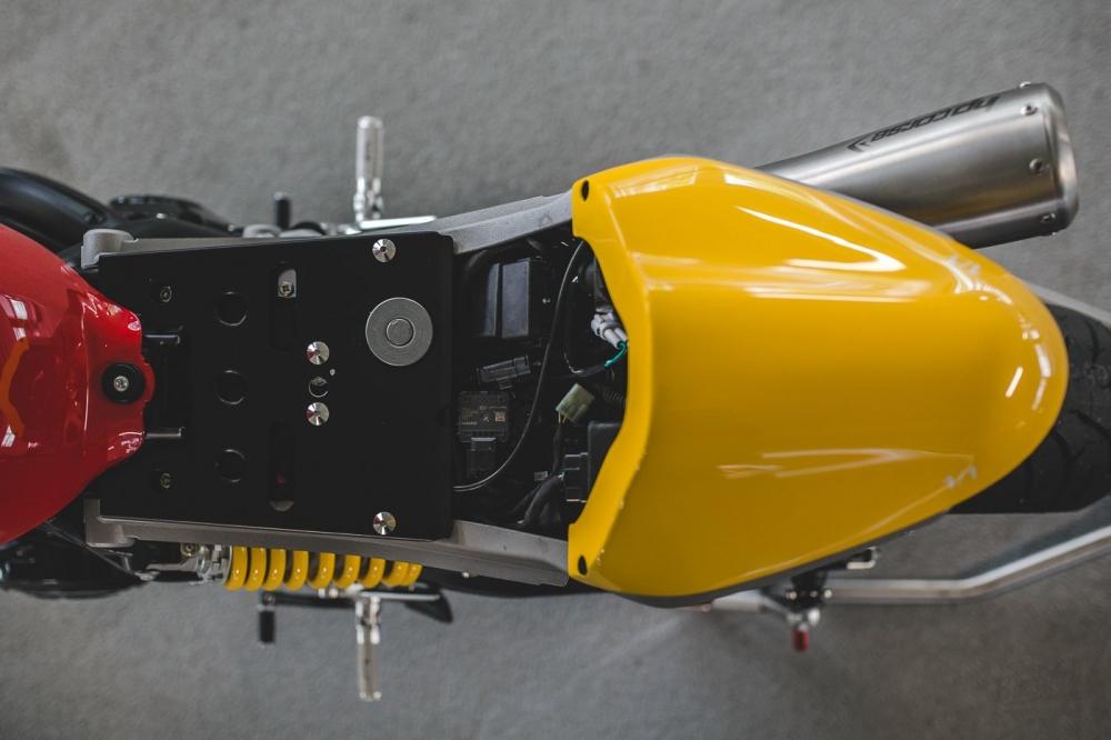 Ducati Scrambler 1100 ban do Cafe Racer den tu DeBolex - 8
