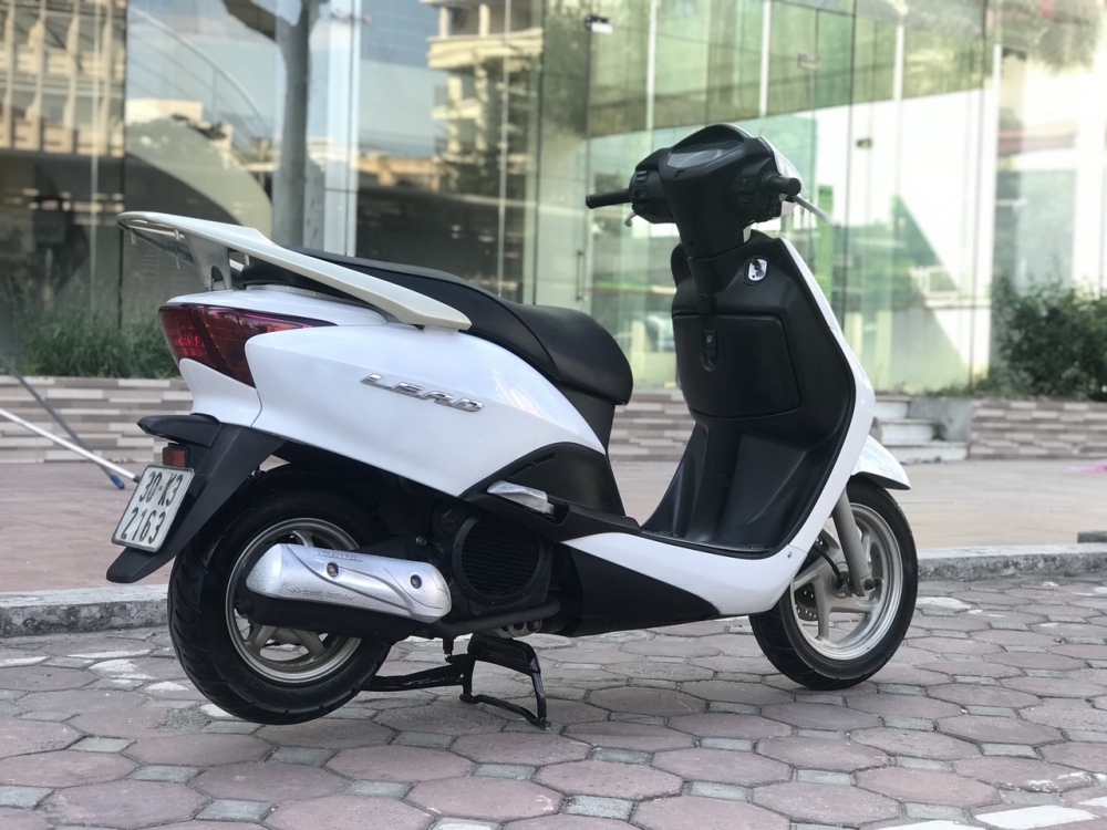 Honda Lead 110cc mau trang nguyen ban rat dep 2k10 - 5