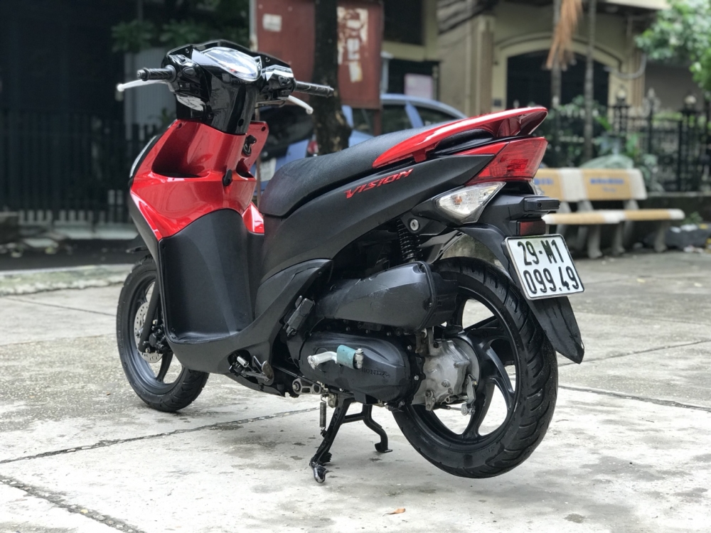 Honda Vision phien ban dac biet mau Do Den chinh chu - 2