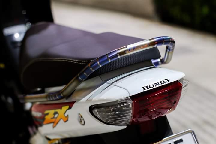 Honda Wave Zx lot xat voi dan chan dam chat the thao - 4