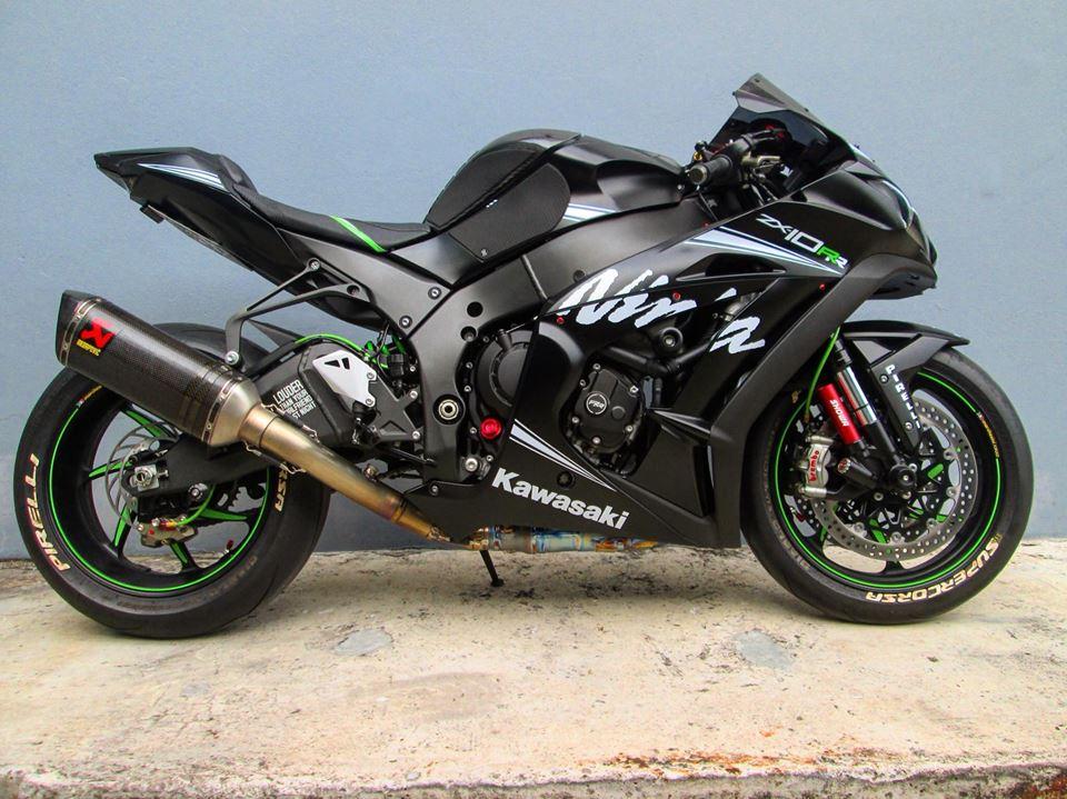 Kawasaki ZX10RR Limited ve dep tuyet sac tu phong cach Winter Test - 3