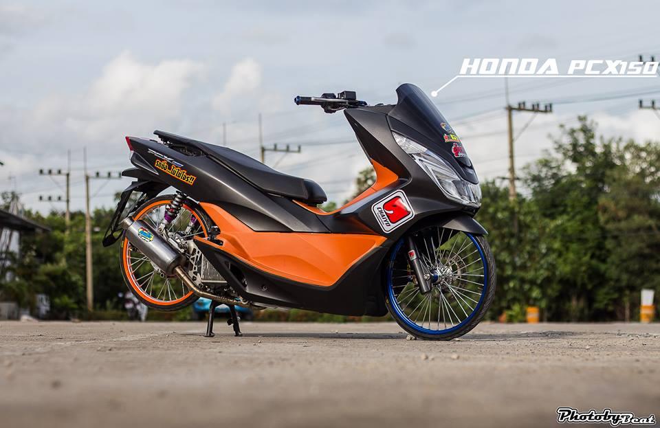 PCX 150 do doi chan teo nho voi phong cach chay san cua biker Thai - 3
