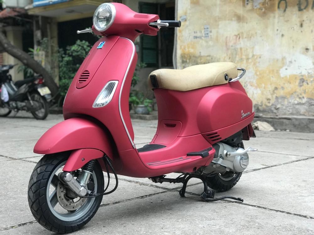 Vespa LX 125 nhap Y phien ban mau Do San bien 30F2 8772