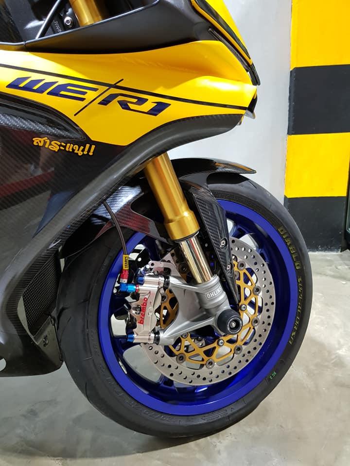 Yamaha R1 do noi bat voi tong mau Yellow Sporty - 3