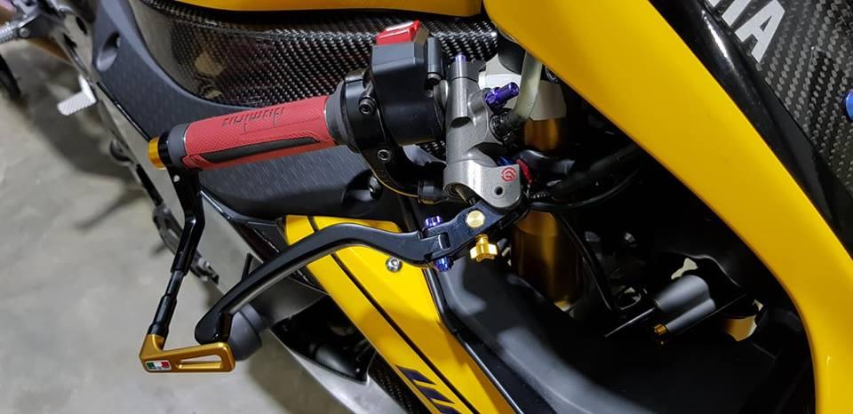 Yamaha R1 do noi bat voi tong mau Yellow Sporty - 5