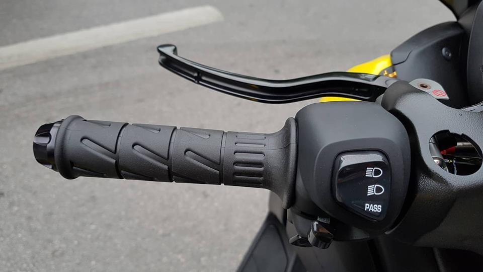 Yamaha XMax 300 ban do full option tren dat Thai - 8