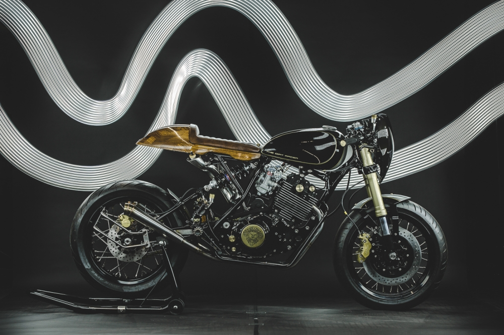 Yamaha XT600 ban do phong cach Dirt Racer den tu Lions Den Motorcycles - 12