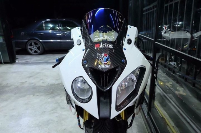 BMW S1000RR ban nang cap tuyet voi theo phong cach HP4 Tricolor - 3