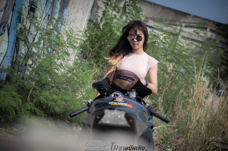 Chan dung nu Biker Thai va tinh yeu BMW S1000RR - 8