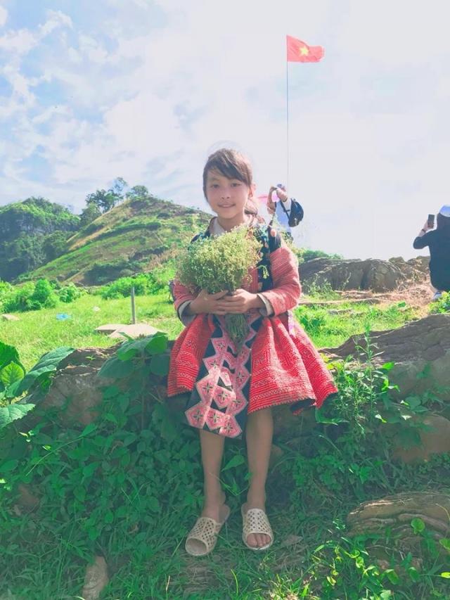 Clip Hanh trinh kham pha Moc Chau cua cap doi 9X dang yeu - 6