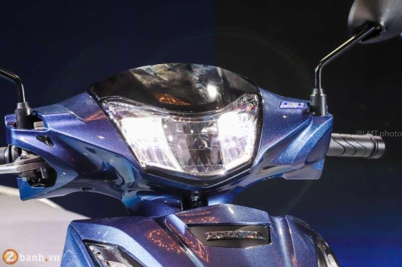 Clip So sanh Den pha LED tren Exciter 150 New va Winner 150 - 2