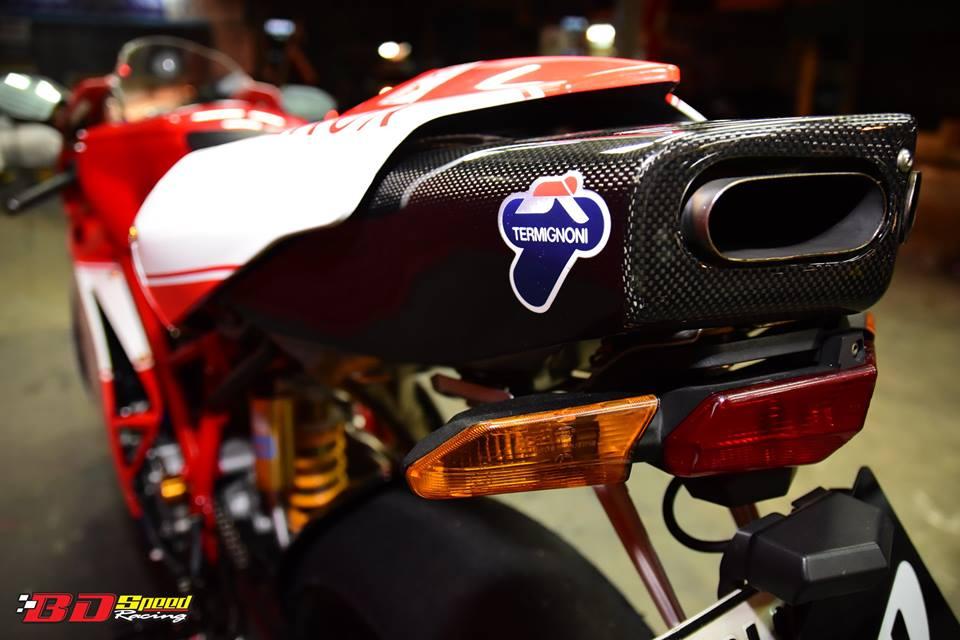 Ducati 749R Mo to huyen thoai Y hoi sinh voi phong cach tem dau Xerox - 15