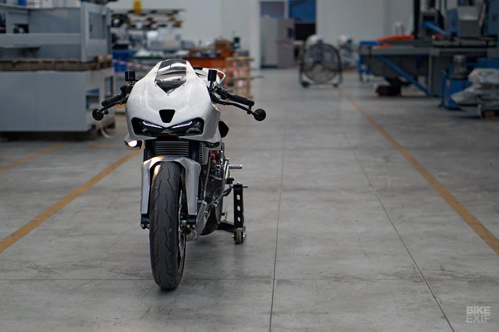 Ducati Cafe Fighter mang thiet ke may bay chien dau cua SIMONE CONTI - 4