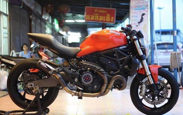 Ducati Monster 821 nong bong voi dan option hang hieu - 3