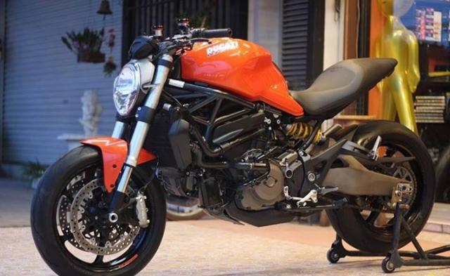 Ducati Monster 821 nong bong voi dan option hang hieu - 7
