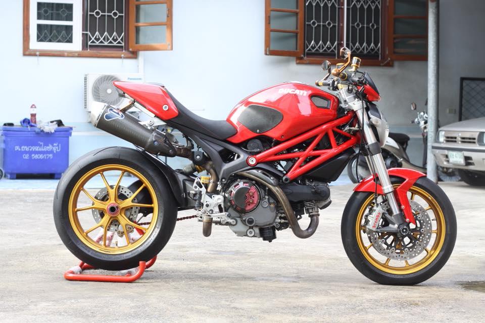 Ducati Monster 796 nang cap day noi bat tren dat Thai - 11
