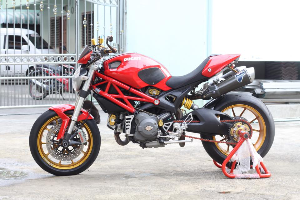 Ducati Monster 796 nang cap day noi bat tren dat Thai - 19