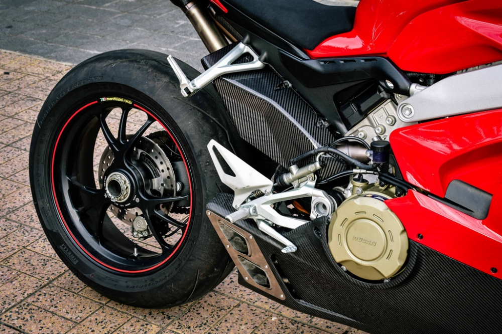 Ducati Panigale V4 S do cang det voi dan ong xa Termignoni 4USCITE fullsystem gan 200 trieu tai VN - 8