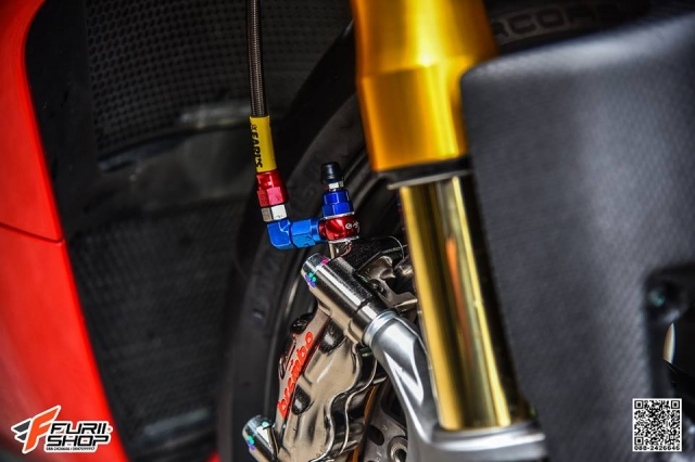 Ducati Panigale V4S hoan hao voi nhung nang cap tinh te - 4