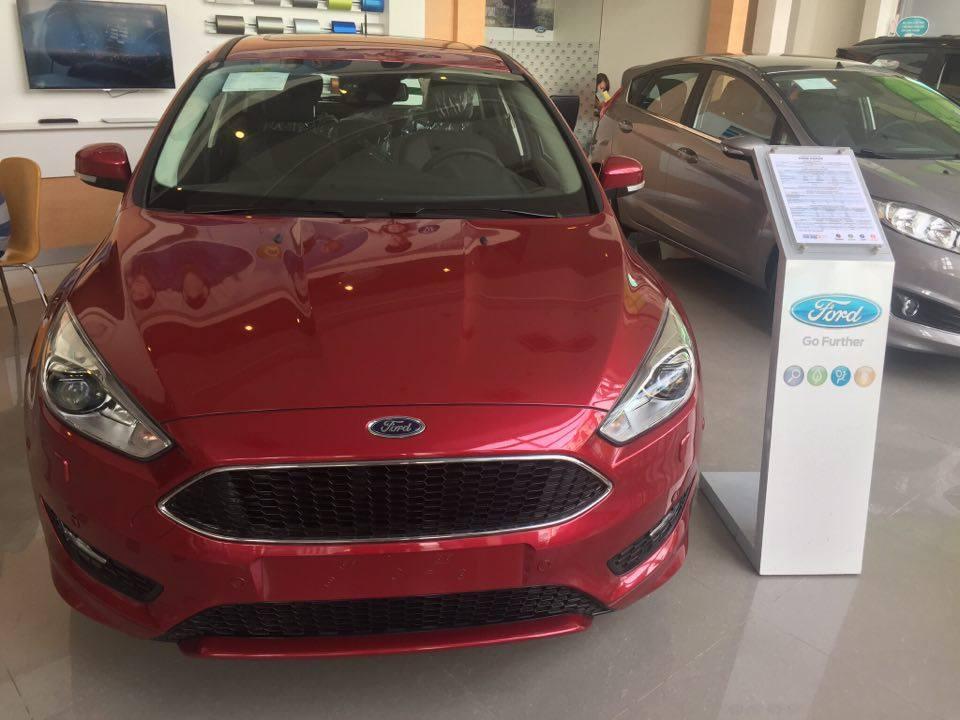 Ford Focus Trend 2018 Tang Goi Uu Dai 15 trieu