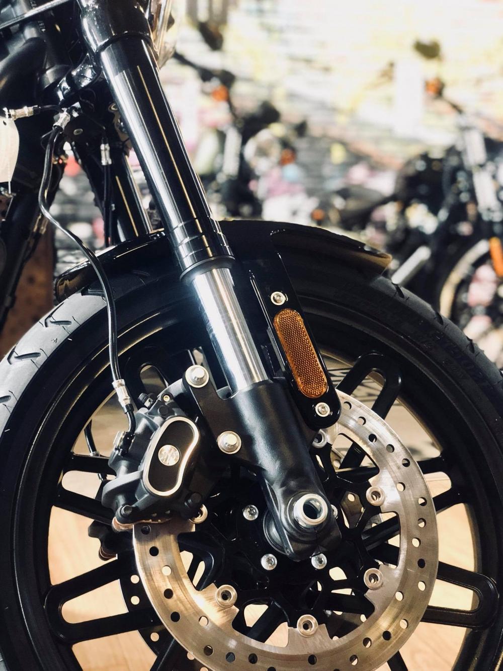 Harley Davidson Roadster Vivid Black 0906261092 Lan - 9