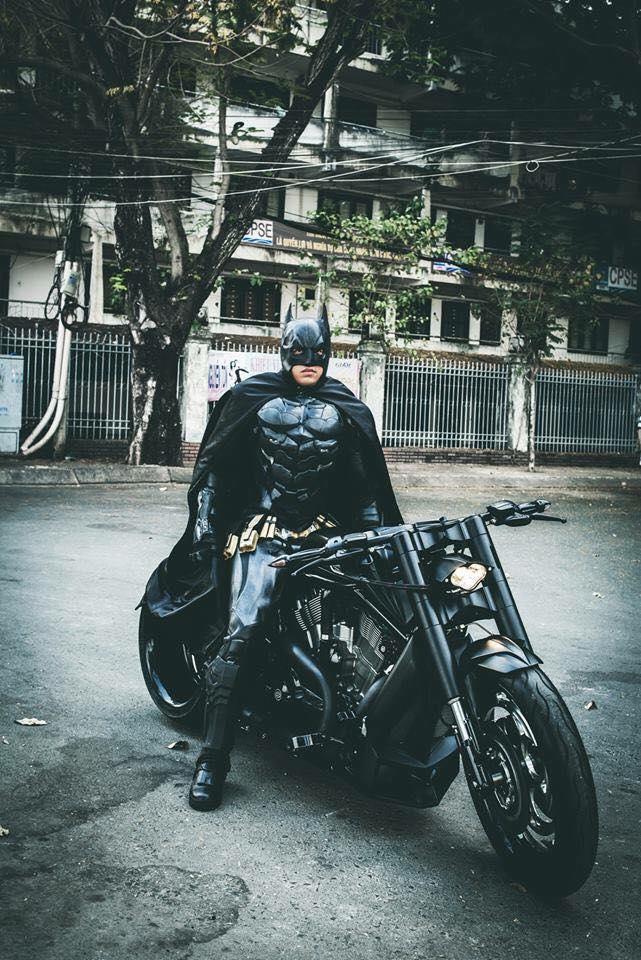 Harley davidson VRod do banh beo mang phong cach Batman cua Biker Viet - 3